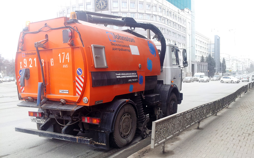 Уборка улиц в Челябинске