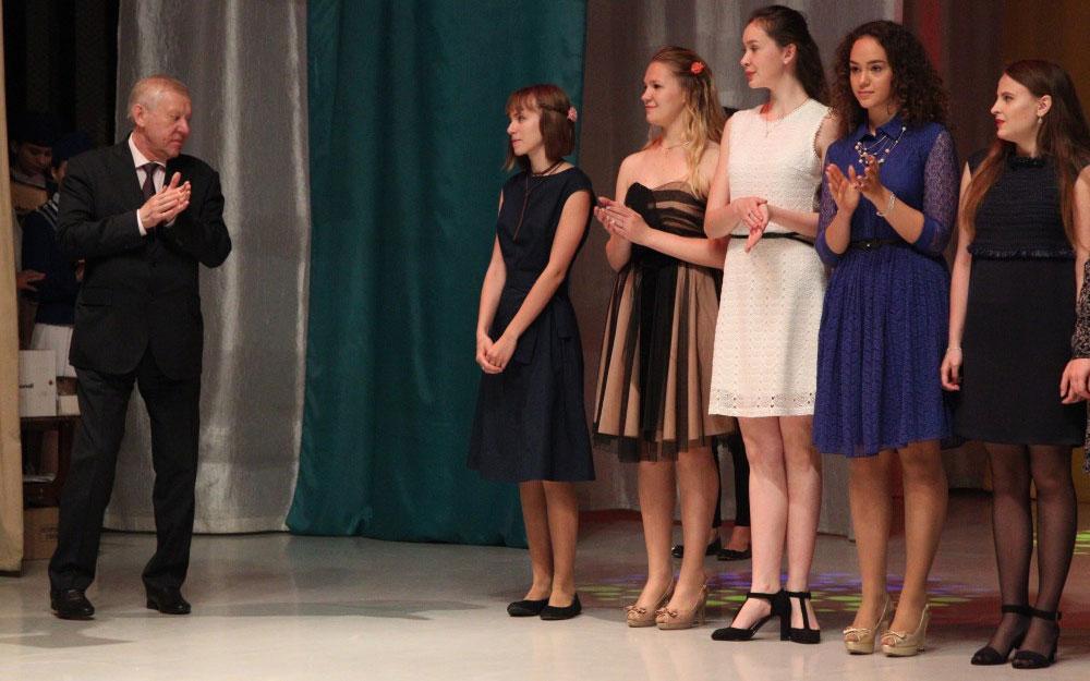 В Челябинске чествовали лучших выпускников школ этого года