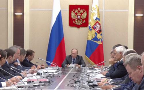 Владимир Путин предложил освободить самозанятое население от платежей государству на два года