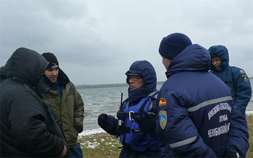 Рыбак утонул, но спас сына. Поиски на озере Синеглазово продолжаются