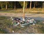 Свалка мусора на границе пляжа (фото Олега Куделенского, Челябинск)